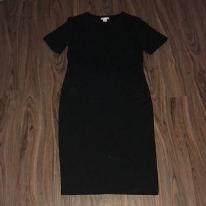 Black crewneck bodycon dress